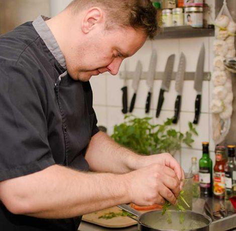 Mirko Stoye Foto beim Kochen